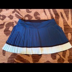 Lululemon pleated tennis skirt size 6 reg